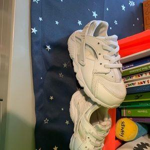 8c Nike huarache